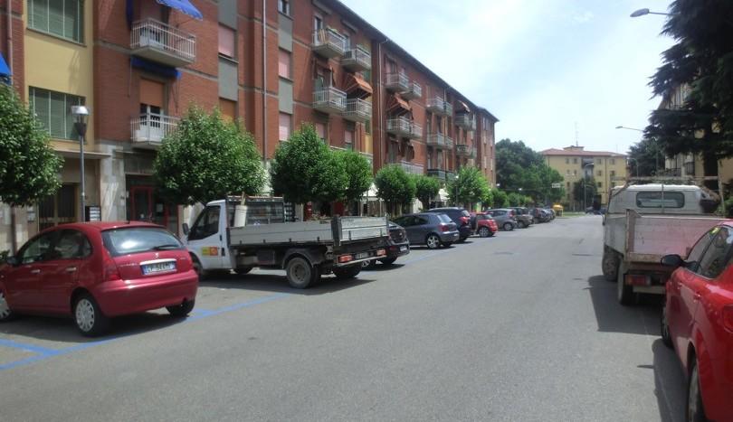 Vista Esterna con Parcheggio