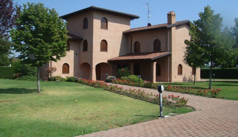 Villa Con Ampio Parco Prima Collina A Imola