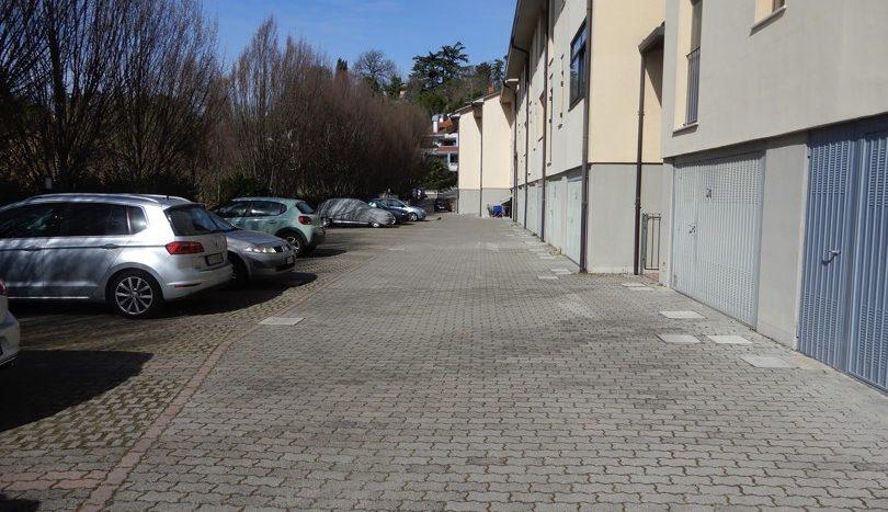 Parcheggi condominiali retro