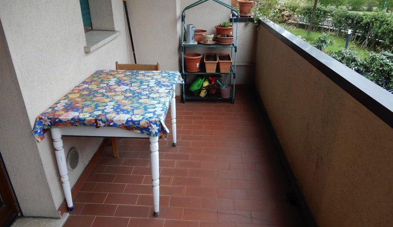 Balcone soggiorno e cucina